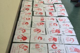 """""""Aktion Rote Hand"""" gegen den Einsatz von Kindersoldaten"""